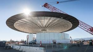 cupertino apple office. Jobs Laid Out His Vision For A Futuristic Circular House Of Glass Before The Cupertino City Council That Would Foster Creativity And Collaboration Few Apple Office