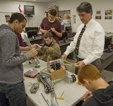 Classroom Pioneer: Alan Pitkin, Lee High School STEM teacher and career  technical education department chairman