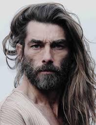 1001 Idées Cheveux Longs Homme Quand La Taille Compte
