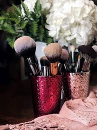 i recently stocked up big time on morphe brushes and have been in love with how beautifully they apply my s i also love that they don t cost a