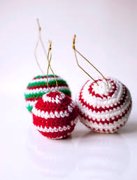 Crochet Decoration Patterns Sofia Sobeide Crocheted Christmas Ornaments Baubles Free Pattern