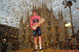 Egan bernal sigue de líder de la general tras la disputa de la 14ª etapa. Giro De Italia El Premio En Pesos Colombianos Para El Ganador De La Edicion 2021 El Espectador