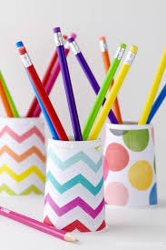 this diy pencil holder is so easy the kids can make it themselves be sure to grab the free template to make it even easier