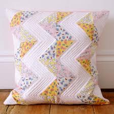 MessyJesse - a quilt blog by Jessie Fincham: Chevron Patchwork ... & Chevron Patchwork Pillow Tutorial Adamdwight.com
