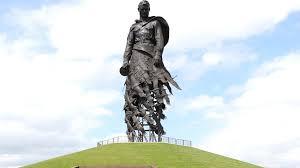 Скульптор рассказал, в чем символическое значение Ржевского мемориала | ИА Красная Весна