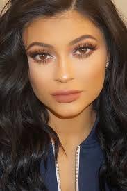 kylie jenner makeup look fashion beauty