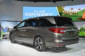 2018 chrysler pacifica.  pacifica 2018 honda odyssey live photos to chrysler pacifica l