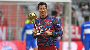 ليفاندوفسكي يحصل على جائزة لاعب العام في ألمانيا 2021