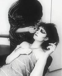 blanca margarita on insram siouxsie sioux siouxsiesioux siouxsieandthebanshees 70s 80s artist ist icon frontwoman vocalist ian