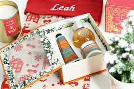 crabtree evelyn white cardamon indulgent treats gift set
