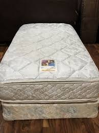 queen size mattress set. Plain Set QUEEN SIZE MATTRESS SET PILLOW TOP VERY GOOD CONDITION CAN SELL SEPARATE  DELIVERY FOR 20 For Sale In San Antonio TX  OfferUp Intended Queen Size Mattress Set S