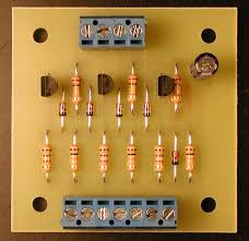 model railroad signals the 3 light signal circuit boards are 2 0 inches by 2 0 inches they are commercially made and have been tinned
