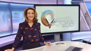 Victoria derbyshire has been praised for presenting bbc news with the telephone number for the national domestic abuse helpline written on her hand. Bbc Promises New Role For Absolutely Devastated Victoria Derbyshire After Show Axed