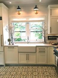 lighting kitchen sink kitchen traditional. Adorable 60 Fabulous Luxury White Kitchen Decor And Design Ideas Https://homeideas.co/2808/60-fabulous-luxury-white-kitchen-decor-design-ideas | Pinterest Lighting Sink Traditional H