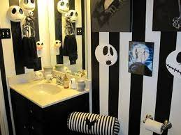 Pin By Bella Fab On Dream Spaces Christmas Bathroom Nightmare Before Christmas Decorations Nightmare Before Christmas
