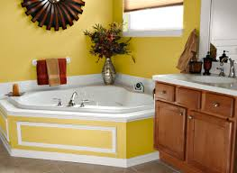 Pictures Of Yellow Bathrooms Yellow Bathroom Paint