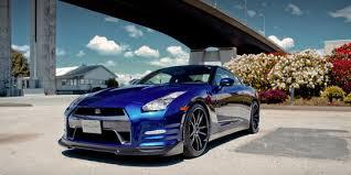 Tafsir Mimpi Membeli Mobil Warna Biru