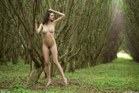 Perfect woman posing in the nude Naked Girls