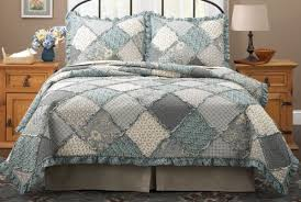 Raggedy Patch Quilt Bedspreads bedding set in Pink and blue & Raggedy Patch Quilt blue ... Adamdwight.com
