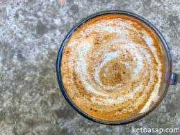 Adding two tablespoons of heavy cream can substitute for coffee creamer for those who can't live without it. Frothy Keto Coffee With Vanilla Almond Milk Sugar Free Recipe Ketoasap