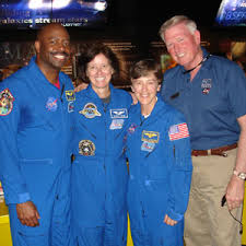 Sightings | Astronaut Appearance Calendar | collectSPACE | Wendy Lawrence