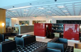Lunch in the Qantas First Class Lounge in Melbourne | MorePremium.com