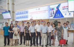 Tiếp đón đoàn lãnh đạo bệnh viện Bạch Mai đến thăm quan và làm việc về  triển khai Bệnh án điện tử - hih.vn