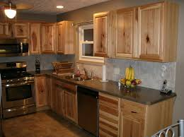hickory kitchen cabinets backsplash