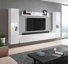 Mit einer eleganten wohnwand haben sie die möglichkeit, ihren wohnraum um ein attraktives möbelstück zu bereichern sowie für. Hochglanz Wohnwand In Weiss Online Kaufen Otto