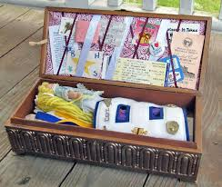 How To Decorate A Memory Box How To Decorate A Memory Box Home Decor 100 2