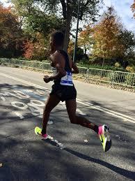tcs new york city marathon photo essay toni reavis ghebrslassie entering central park on his way to victory