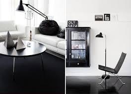 Para uma sala com um piso de grafite, marrom ou cinza, é melhor escolher produtos na cor de madeira clara, rosa pálido, tons de bege. Decoracao Piso Escuro Constance Zahn Casa Decor