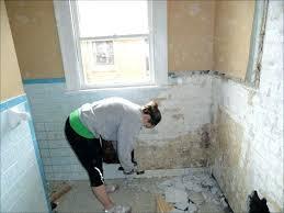 remove bathroom wall tiles
