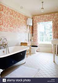 Pink Toile-de-Jouy curtains and ...