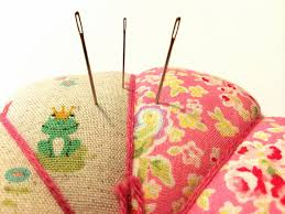 Hand Quilting Needles Guide: Get The Right Needle & Hand Quilting Needles in a Pincushion Adamdwight.com