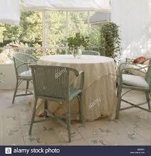 Weier Runder Tisch Latest Vector Leere Runder Tisch Mit
