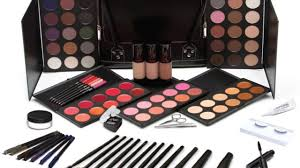 want to be a makeup artist let s build your kit makeup for melanin s