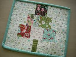 Online Classes - Silly Mama Quilts & sew and quilt a Christmas tree mini quilt – a diy project this class uses  pre-cut 2.5 inch squares to make a fun mini quilt perfect for gift giving Adamdwight.com