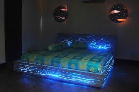 30 glow-in-the-dark furniture to enlighten your spirits
