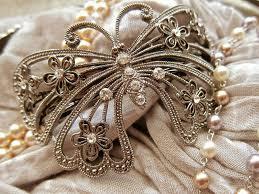 ヘアスタイルに悩める女子必見結婚式の髪型にもマナーがあった