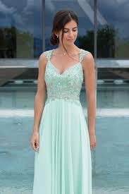Die besten 25+ Brautmoden outlet Ideen auf Pinterest   Brautmoden ...