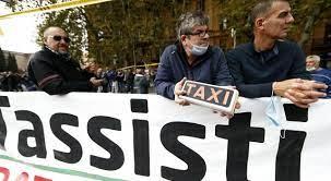 Sciopero dei taxi, altissima adesione in tutt'Italia: «Basta con  l'abusivismo e la giungla delle app»