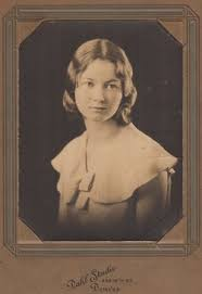 Avis Frances Kiemsteadt Hall (1913-1991) - Find A Grave Memorial