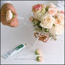 diy basic bouquet making instructions how to make a bouquet