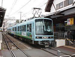 Железнодорожный транспорт в Японии Википедия Электричка на линии Энодэн Железнодорожный транспорт