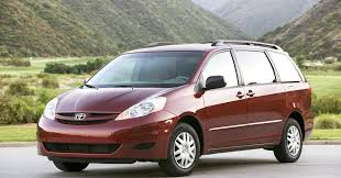Toyota recalls more than 300,000 Sienna vehicles
