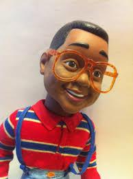 Chiudiamo con questa notevole riproduzione in scala di Steve Urkel che... Steve Urkel Toy ...no, niente. Questa con Figma e Max Company non c'entra una ... - vintage-urkel-doll