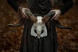 Resultado de imagen de satanas cabra