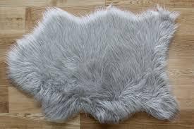 silver grey fluffy plain bedroom faux fur fake fur non faux fur sheepskin rug uk