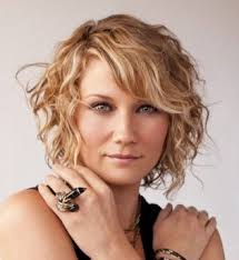 2017 hairstyles curly hair